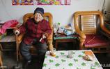 山東農村94歲奶奶一生有三女兒,晚年生活很幸福,為啥高興不起來