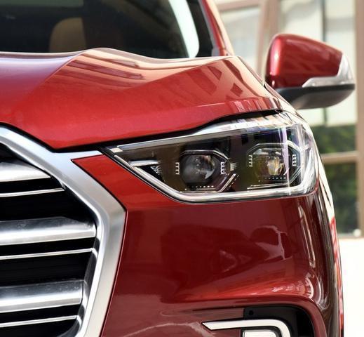 這款SUV豈止於大!全系標配12.3英寸大屏幕+全景大天窗才15萬。