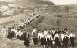 百年前日本和韓國學生很像,因為當時兩地同屬一個國家