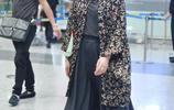 整個娛樂圈女明星在機場擠破頭拗造型 唯獨周迅,感覺穿的是睡衣