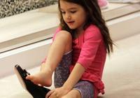 怎麼給孩子講小孩兒不能穿高跟鞋?