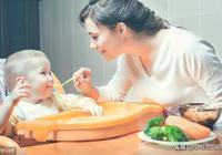 新手媽媽如何給寶寶添加輔食?這些實用方法和注意事項,你知道嗎