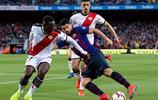 足球——西甲:巴塞羅那勝巴列卡諾