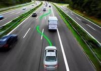 為什麼在高速超車道上車主還會打左轉向燈?老司機解釋完就明白了