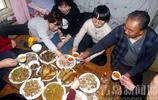 青島鄉村過年聚餐是啥樣?農家菜饞人