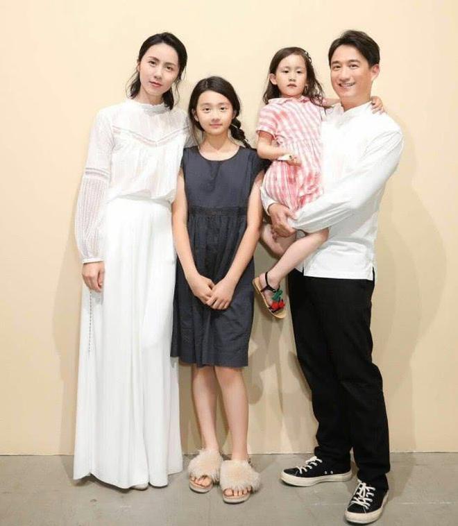 黃磊大女兒多多身高驚人 才13歲就將近一米七了