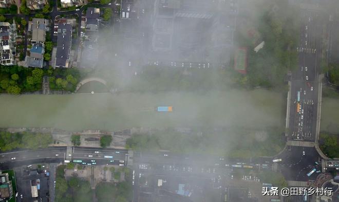 江蘇揚州:雨後雲海美景,壯麗如畫