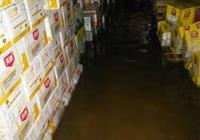 河道施工緻昆明一3000㎡倉庫被淹!施工方:水淹是大雨造成