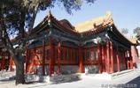 故宮的這處佛堂內陳設有兩座楠木佛塔,每座塔內供奉有五百尊金佛