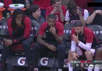 裡弗斯,法裡埃德苦坐冷板凳面無表情,他們會對德安東尼的用人不滿嗎?