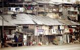 實拍1972年的香港:現代化的建築隨處可見,圖3是當時的貧民區