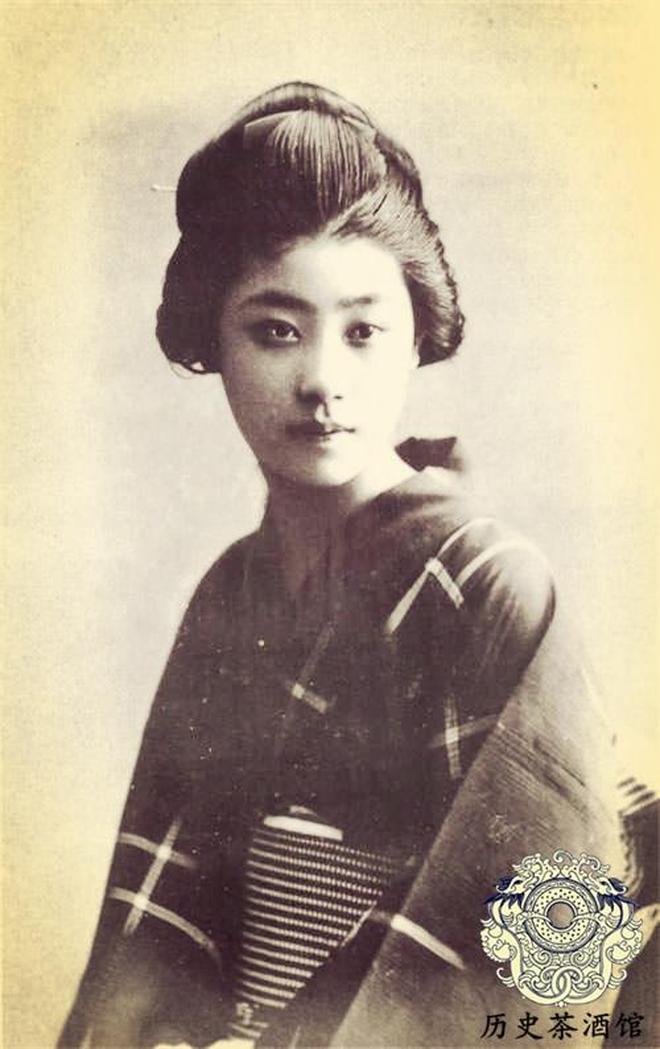 上色老照片再現百年前的日本社會:圖五很漂亮,圖八武士看了想笑