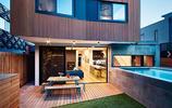 別墅案例:用防腐木做建築外牆的多邊形別墅,這特別的造型很少見