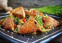 美食推薦:炒春盤,蝦仁玉米炒蛋,香辣手撕雞的做法