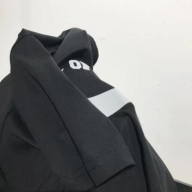 耐克聯手潮牌OFF推出爆款短袖套裝,火爆全網,單穿也非常百搭!