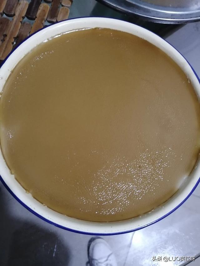 如何蒸出漂亮的椰汁千層糕?為什麼我蒸的上面很多水?