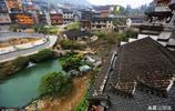 掛在瀑布上的千年古鎮,去湘西除了鳳凰古城,這裡也值得一去!