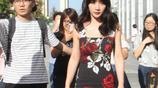 37歲柳巖出席活動近照,網友:這是柳巖穿得最多的一次!