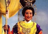 王母邀請如來參加蟠桃盛會,佛祖為何不去?你看靈山低下壓著誰?