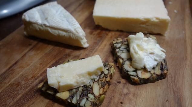 你知道堅果怎麼做成麵包,還不用發酵?快來跟我一步一步做起來