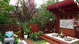 """如果你家有庭院,別鋪水泥!瞧我姥爺這樣""""折騰"""",舒適忒有品味"""