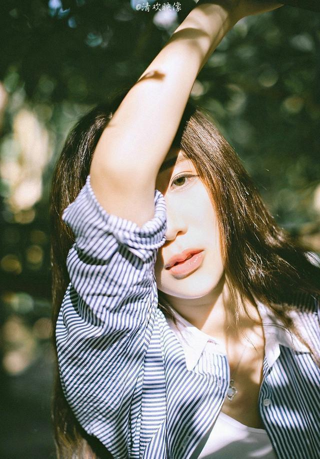 清純嬌嫩可愛陽光美女俏皮文藝唯美戶外寫真