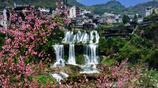 一座掛在瀑布上的千年古鎮,《芙蓉鎮》等電影電視爭相拍攝的佳境