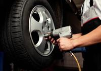 汽車輪胎到底用多久更換一次?這裡有正確答案,別等爆胎才來瞭解