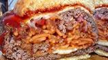 我就沒見過這麼愛吃意大利麵的人,漢堡披薩統統要加意大利麵