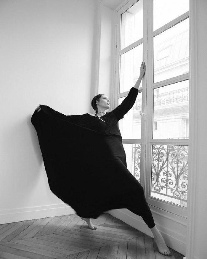 Pose女王 Coco Rocha 登上《ELLE》捷克版本最新刊封面