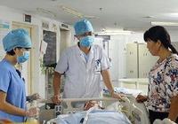 62歲老漢突然尿血就醫,醫生問起原因,兒女們嫌丟臉不願說!