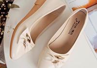 """60後中老年就愛穿""""媽媽鞋,舒適不磨腳,果然上腳好穿極了"""