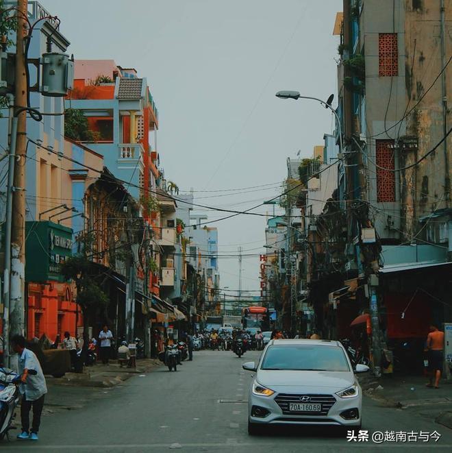 越南西貢有座中國城,歷史上曾是繁華美麗的街區,如今破敗不堪