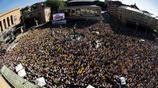 萬人空巷!瑞典女足攜世界盃銅牌回國,民眾湧上街頭歡迎
