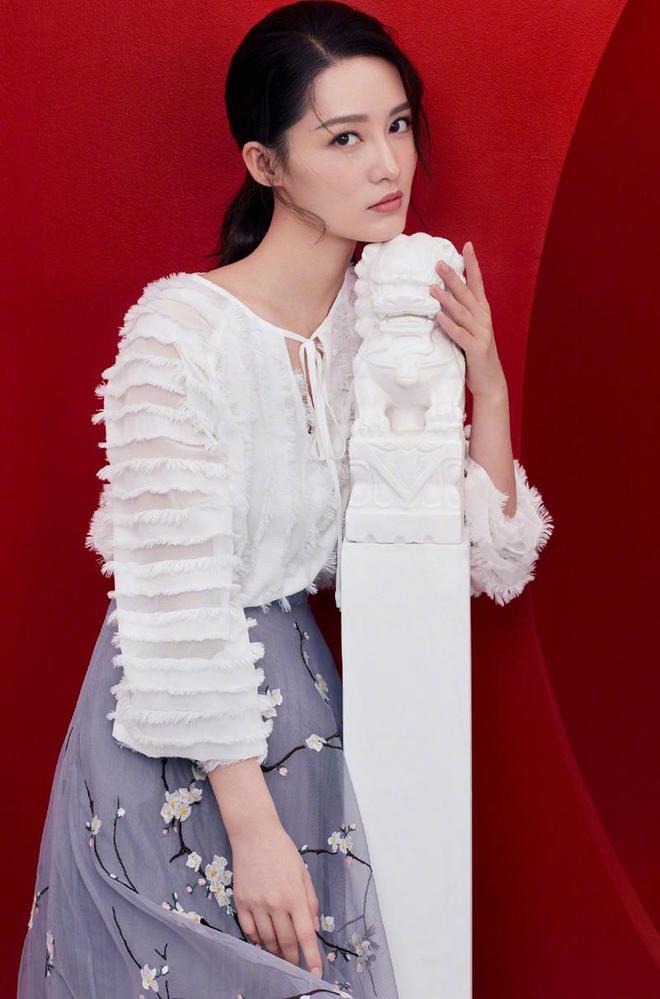 春日李淡雅美麗——李沁
