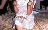 安吉麗娜朱莉小時候和年輕時的老照片