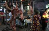 羊肉串很多人都吃過,這樣現切現做的正宗羊肉串肯定很少人沒見過