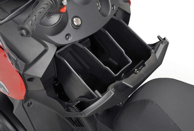 可摺疊車頂的倒三輪車!2019 Adiva AD3 400 車型介紹 圖片欣賞