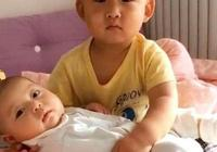 3歲哥哥哄弟弟睡覺,誰知把自己給哄睡著了,寶媽哭笑不得!