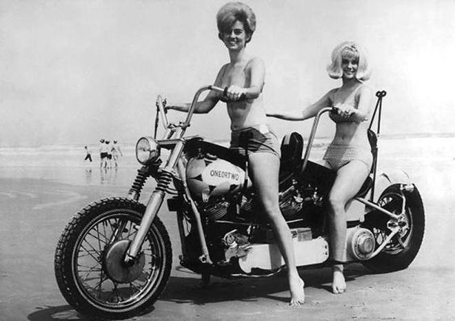摩托與模特