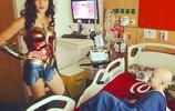 超暖心,女神蓋爾·加朵出現在兒童醫院,現實版的神奇女俠