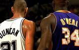NBA12大球星的賽場神同步,OK組合秀恩愛,詹韋指點江山
