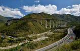 耗資206億,240公里全程高架橋,這才是中國真正的天路!