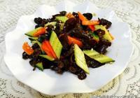 夏天木耳最好吃的做法,配上一根黃瓜,減肥瘦身三天兩頭做