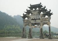 金庸的江湖世界和古龍的江湖區別在哪?