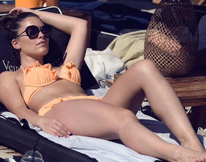歐美女星海邊度假,看來她很享受這個假期!