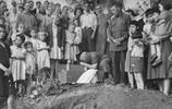 老照片:1949年俄國難民撒離上海,這些罕見舊照你見過嗎?