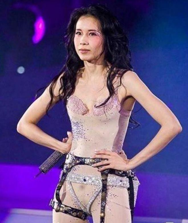 趙麗穎內衣外穿秀出好身材,林志玲雷人,只有莫文蔚穿出了高級感