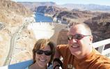 胡佛水壩是一座拱門式重力人造混凝土水壩
