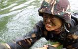 破格出國軍事留學 破6項國際記錄 立雙一等功 老外稱他為中國旋風